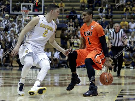 Sam Singer, Maurice O'Field Oregon State's Gary Payton II, right, drives the ball against California's Sam Singer (2) in the first half of an NCAA college basketball game, in Berkeley, Calif