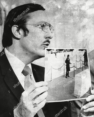 James L. Browning Jr U.S. Attorney James L. Browning Jr., holds a bank surveillance photo which the FBI said resembled Patricia Hearst in San Francisco, Calif. Browning, who led the prosecution of newspaper heiress Patty Hearst during a sensational 1976 trial, died, in Arizona, according to his brother, David Browning. He was 83