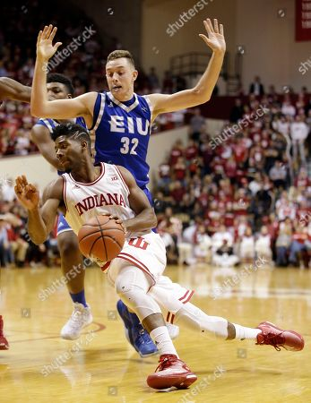 Patrick Muldoon, Robert Johnson Indiana's Robert Johnson drives to the basket against Eastern Illinois' Patrick Muldoon (32) during the second half of an NCAA college basketball game, in Bloomington, Ind. Indiana won 88-49