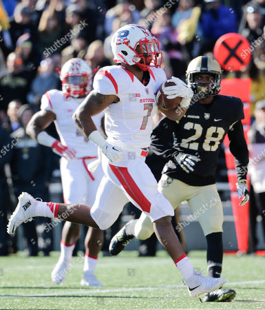 Robert Martin Rutgers running back Robert Martin (7) scores a touchdown in front of Army cornerback Brandon Jackson (28) during the first half of an NCAA college football game, in West Point, N.Y