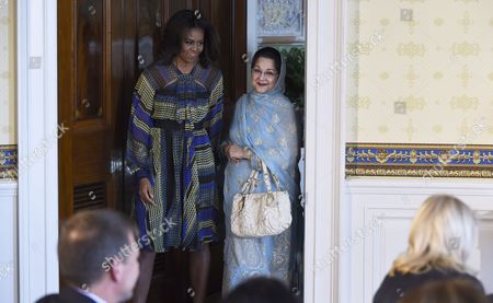 Michelle Obama, Kalsoom Nawaz Sharif First lady Michelle Obama and Kalsoom Nawaz Sharif, spouse of Pakistani Prime Minister Nawaz Sharif, arrive for an event in the Blue Room of the White House in Washington, . Mrs. Obama announced a new partnership to further adolescent girls' education in Pakistan as a part of the Let Girls Learn initiative that aims to help adolescent girls around the globe attend and complete school