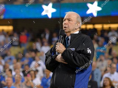 Frank Sinatra Frank Sinatra, Jr. sings the national anthem prior to a baseball game between the Los Angeles Dodgers and the Pittsburgh Pirates in Los Angeles. Sinatra Jr., who carried on his famous father's legacy with his own music career, has died. He was 72. The Sinatra family said in a statement to The Associated Press that Sinatra died unexpectedly, of cardiac arrest while on tour in Daytona Beach, Fla