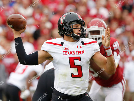 Patrick Mahomes Texas Tech quarterback Patrick Mahomes (5) passes in the first quarter of an NCAA college football game against Oklahoma in Norman, Okla
