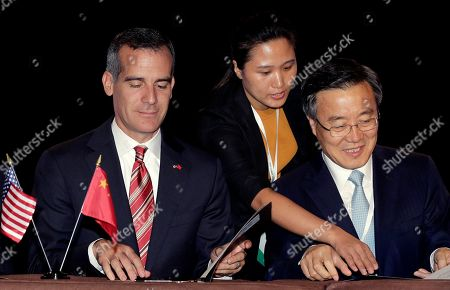 Eric Garcetti, Xie Zhenhua Los Angeles Mayor Eric Garcetti, left, and Li Shixiang, Executive Vice Mayor of Beijing, participate during the White House-organized U.S. - China Climate Leaders Summit, in Los Angeles