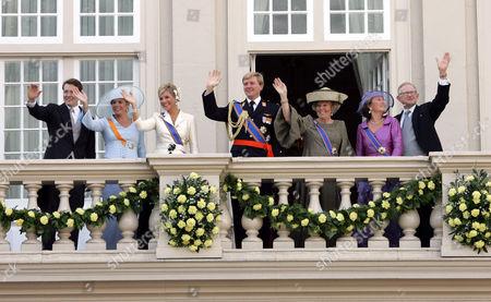 Princess Laurentien, Prince Constantijn, Princess Maxima, Prince Willem Alexander, Queen Beatrix, Princess Margriet and Pieter Van Vollenhoven Sohngen