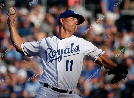 Jeremy Guthrie Kansas City Royals starting pitcher Jeremy Guthrie throws during the first inning of a baseball game against the Chicago White Sox, in Kansas City, Mo