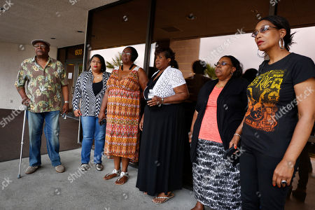 Willie King, Tanya Deckard, Patty King, Karen Williams, Barbara King Winfree, Rita Washington Willie King, from left, Tanya Deckard, Patty King, Karen Williams, Barbara King Winfree and Rita Washington stand outside of a funeral home after a private family viewing of blues musician B.B. King, in Las Vegas. The family members attended a private viewing ahead of a public viewing scheduled for Friday. King died May 14 in Las Vegas at age 89