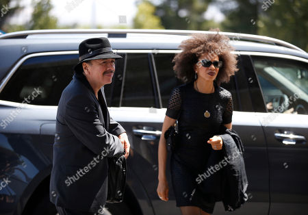 Carlos Santana, Cindy Blackman Carlos Santana, left, and his wife Cindy Blackman arrive at a memorial service for B.B. King, in Las Vegas. Friends and family members gathered Saturday at a funeral home to remember the Blues legend
