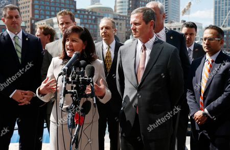 Carmen Ortiz, Vincent Lisi, William Weinreb U.S. District Attorney Carmen Ortiz, center left, speaks during a news conference with lead prosecutor William Weinreb, center, FBI special agent Vincent Lisi, center right, and other members of the FBI and prosecution team outside federal court in Boston, following a hearing in which Boston Marathon bomber Dzhokhar Tsarnaev was formally sentenced to death