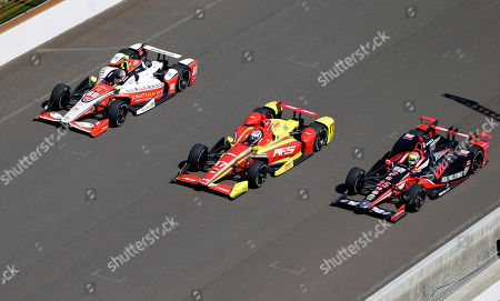 Justin Wilson, Sebastian Saavedra, Gabby Chaves Bryan Clauson (88), Sebastian Saavedra, of Colombia, (17) and Justin Wilson, of England, (25) drive down the main straightaway during the final practice session for the Indianapolis 500 auto race at Indianapolis Motor Speedway in Indianapolis
