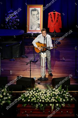 Vince Gill Vince Gill performs during the funeral service for country music performer Jim Ed Brown at the Ryman Auditorium, in Nashville, Tenn. Brown, who was a member of the Grand Ole Opry and was recently elected to the Country Music Hall of Fame, died June 11. He was 81