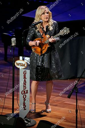Rhonda Vincent Rhonda Vincent performs during the funeral service for country music performer Jim Ed Brown at the Ryman Auditorium, in Nashville, Tenn. Brown, who was a member of the Grand Ole Opry and was recently elected to the Country Music Hall of Fame, died June 11. He was 81