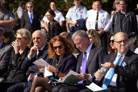 L to r: Emily Rafferty, NYC & Company, Barry Diller, media mogul; Diane von Furstenberg, Mayor Bill de Blasio ; Stephen Briganti, Statue of Liberty-Ellis Island Foundation President.