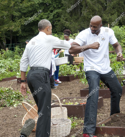 Barack Obama and Alonzo Mourning