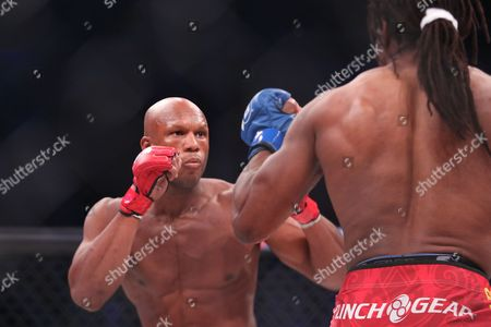 Linton Vassell Linton Vassell, left, in action against Rameau Thierry Sokoudjou during their ight at Bellator 134, in Uncasville, CT. Vassell won the fight in the second round via unanswered strikes
