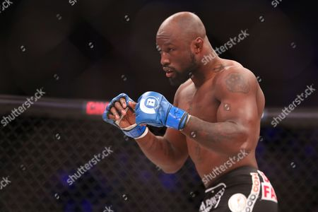 KIng Mo, Checik Kongo King Mo, top, in action against Cheick Kongo during their ight at Bellator 134, in Uncasville, CT. King Mo won via split decision