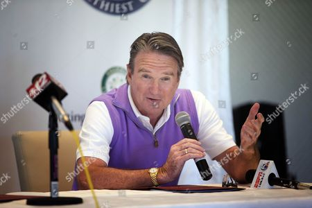 Jimmy Connors Jimmy Connors talks to the media during a press conference in Boca Raton, Fla., . Connors changed tennis' country-club image, but he is back in a genteel, exclusive setting Tuesday for a private exhibition against Aaron Krickstein, his opponent in a memorable match at the U.S. Open more than 23 years ago