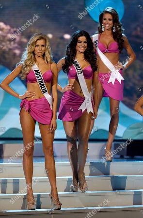 Tegan Martin, Melissa Gurgel, Nia Sanchez Miss Australia Tegan Martin, Miss Brazil Melissa Gurgel and Miss USA Nia Sanchez pose during the Miss Universe pageant in Miami
