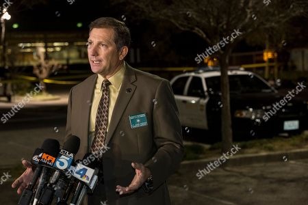 "John Corina Los Angeles County Sheriff's Department Lt. John Corina speaks at a news brief at the scene of an accident in a parking lot in Compton, Calif., . A lawyer for Marion ""Suge"" Knight, a Death Row Records founder, says Knight was driving a vehicle involved in an accident"