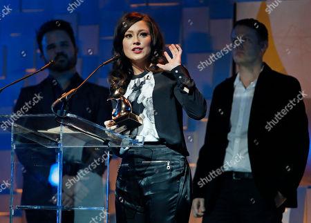 Kari Jobe Kari Jobe accepts the award for praise and worship album of the year during the Dove Awards, in Nashville, Tenn