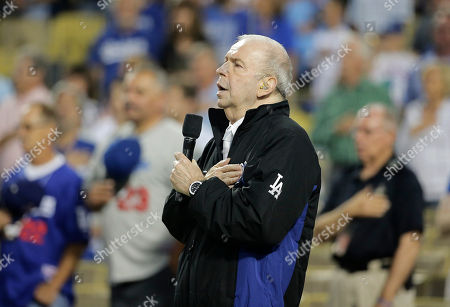Frank Sinatra Jr Frank Sinatra Jr. sings the national anthem before a baseball game between the Los Angeles Dodgers and the San Francisco Giants, in Los Angeles