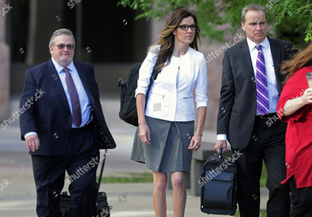 Taya Kyle Taya Kyle, the widow of former Navy SEAL Chris Kyle, arrives with her attorneys at the federal courthouse in St. Paul, Minn., for the start of a trial in a lawsuit filed by former Minnesota Gov. Jesse Ventura against the Kyle estate. Ventura filed the defamation lawsuit claiming that Chris Kyle's account of a bar fight in a book he wrote was false