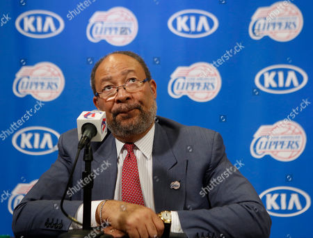 Dick Parsons Dick Parsons, interim chief executive of the Los Angeles Clippers, takes questions during a news conference at the Staples Center in Los Angeles. Parsons is clarifying his basketball credentials, saying he played one season of freshman basketball at the University of Hawaii and wasn't very good. A spokesman for interim Clippers CEO Dick Parsons, responded to a Deadspin report questioning Parsons' playing experience by saying the former chairman of Citigroup and Time Warner never claimed to play varsity