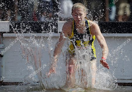 Anna Pasternak Michigan's Anna Pasternak splashes water as she competes in the 3,000m steeplechase during the Payton Jordan Invitational track and field meet, in Stanford, Calif
