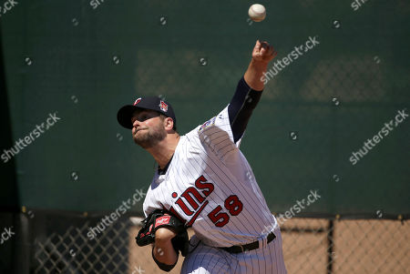 Scott Diamond Minnesota Twins pitcher Scott Diamond works out in the bullpen before an exhibition baseball game against the Boston Red Sox, in Fort Myers, Fla