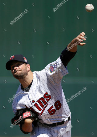 Scott Diamond Minnesota Twins pitcher Scott Diamond delivers a warm-up throw in the first inning of an exhibition baseball game against the Boston Red Sox, in Fort Myers, Fla