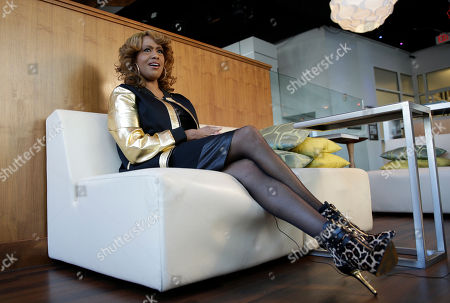 """This photo shows actress and singer Jennifer Holliday during an interview in Atlanta. Holliday, best known for her Tony-winning performance as Effie in the original Broadway production of """"Dreamgirls"""" and the iconic rendition of """"And I Am Telling You I'm Not Going,""""released her first solo album in two decades"""