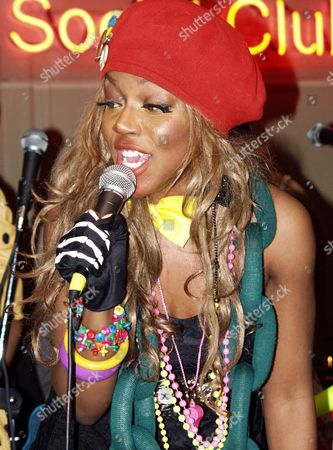 Ebony Bones, a new underground phenomenon produced by Punk Icon and ex Damned Drummer Rat Scabies, play an intimate gig at Reading's newest underground live venue the Oakfield Social Club.They recently won the internets live video award.