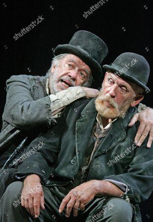 James Laurenson (Vladimir) and Alan Dobie (Estragon)