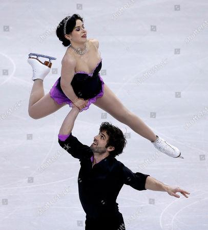 Lindsay Davis and Rockne Brubaker skate during the pairs short program at the U.S. Figure Skating Championships in Boston