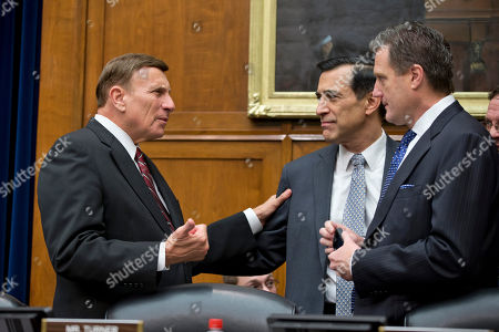 Darrell Issa, John Mica, Michael Turner House Oversight and Government Reform Committee Chairman Rep. Darrell Issa, R-Calif., center, meets with committee members Rep. John Mica, R-Fla., left, and Rep. Michael Turner, R-Ohio, on Capitol Hill in Washington, prior to the start of the committee's hearing on the implementation of the Affordable Care Act's HealthCare.gov website