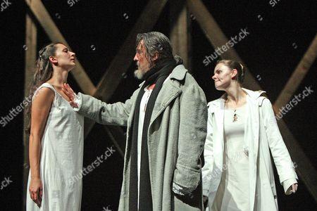 King Lear - Elena Solomonova ( Regan ), Petr Semak ( King Lear ) and Elizaveta Boyarskaya ( Goneril )