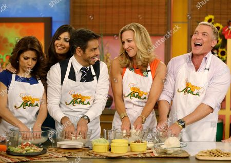 "Sam Champion, Ana Patricia Gonzalez, Eugenio Derbez, Chiquinquira Delgado, Alessandra Rosaldo Sam Champion, right, and Lara Spencer, second from right, of the ABC network's ""Good Morning America,"" show help make tortillas during a cooking segment with Mexican actor Eugenio Derbez, third from left, Chiquinquira Delgado, second from left rear, and Alessandra Rosaldo, left, on the Univision network morning show, ""Despierta America"" (""Wake Up America,"") during a joint live broadcast between the two programs, in Doral, Fla"