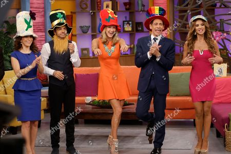"Johnny Lozado, Eugenio Derbez, Lara Spencer, Ximena Cordoba, Alessandra Rosaldo Lara Spencer, center, one of the ABC network's ""Good Morning America,"" show dances with Johnny Lozado, second from right, and Ximena Cordoba on the Univision network morning show, ""Despierta America"" (""Wake Up America"") and their guests, Mexican actors Alessandra Rosaldo, left, and Eugenio Derbez, second from left, during a joint live show between between the two programs, in Doral, Fla"