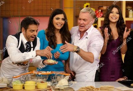 """Sam Champion, Ana Patricia Gonzalez, Eugenio Derbez, Chiquinquira Delgado Sam Champion, second from right, of the ABC network's """"Good Morning America,"""" show helps make tortillas during a cooking segment with Mexican actor Eugenio Derbez, left, Chiquinquira Delgado, second from left, and Ana Patricia Gonzalez, right, on the Univision network morning show, """"Despierta America"""" (""""Wake Up America,"""") during a joint live broadcast between the two programs, in Doral, Fla"""