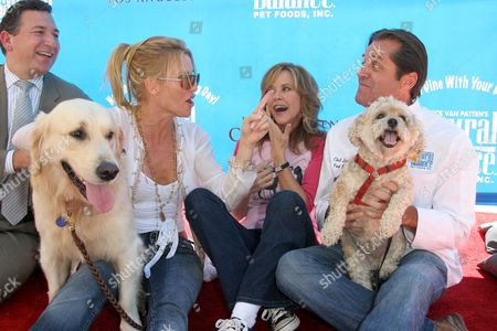 Stock Photo of Nicolette Sheridan and her dog Oliver with Linda Blair and Jimmy Van Patten with his dog