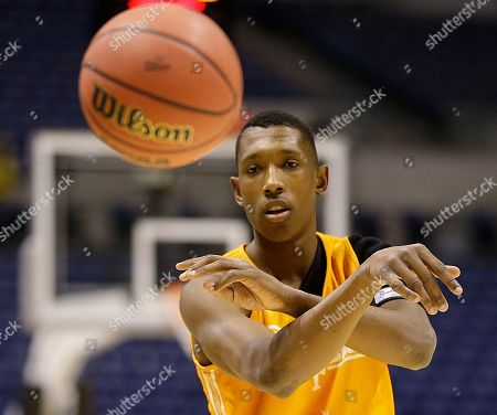Josh Richardson Tennessee's Josh Richardson passes the ball during practice for their NCAA Midwest Regional semifinal college basketball tournament game, in Indianapolis. Tennessee plays Michigan on Friday, March 28, 2013