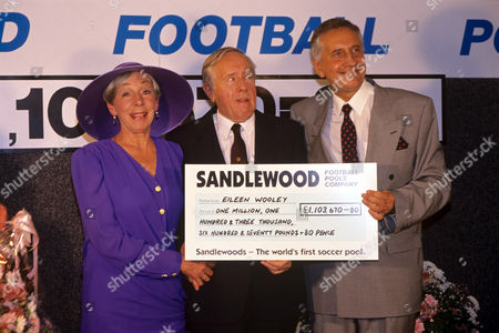 Stock Image of Freda Dowie, Norman Bird and David Gower in 'Boon' - 1992