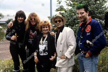 Neil Morrissey, Robin Askwith, Michele Dotrice, Karl Howman and Clive Owen on the set of 'Boon' - 1988