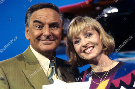 Bob Monkhouse and Liza Goddard on 'Celebrity Squares' - 1993 - 94
