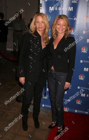 Rosanna Arquette and Amanda Detmer