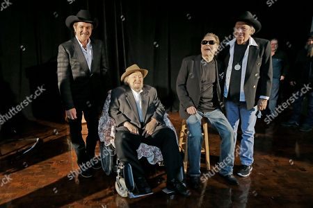 Ronnie Milsap, Kix Brooks, Mac Wiseman, Bobby Bare Kix Brooks, left, and Bobby Bare, right, pose with Mac Wiseman, second from left, and Ronnie Milsap, second from right, after Bare and Wiseman were introduced as inductees into the Country Music Hall of Fame, in Nashville, Tenn