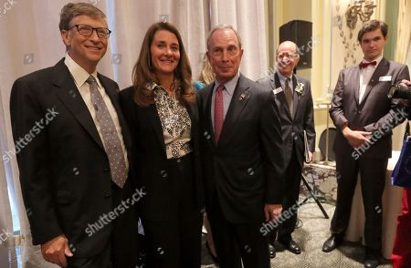 Bill Gates, Melinda Gates, Alfred Sommer Bill Gates, left, and his wife Melinda, center, pose for photographers with Alfred Sommer, Chairman of the Board of the Albert and Mary Lasker Foundation during the 2013 Lasker Awards ceremony, at the Pierre Hotel in New York. Bill and Melinda Gates received the 2013 Lasker Bloomberg Pubic Service Award. Since 1945 the Lasker Awards has recognized the contributions of scientists, physicians, and public servants who have made major advances in the understanding, diagnosis, treatment, cure, and prevention of human disease