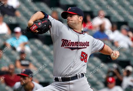 Scott Diamond Minnesota Twins starting pitcher Scott Diamond delivers during the first inning of a baseball game against the Chicago White Sox, in Chicago