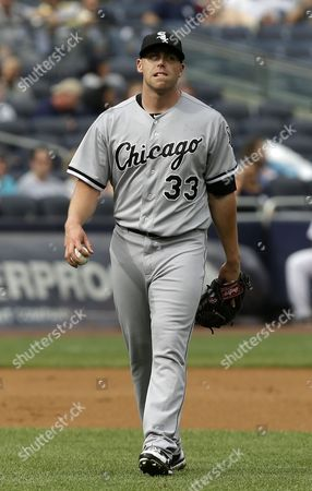 Dylan Axelrod Chicago White Sox starting pitcher Dylan Axelrod reacts after New York Yankees' Vernon Wells reached on an infield single during the fourth inning of the baseball game at Yankee Stadium in New York