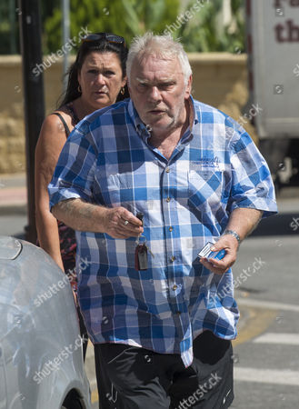 Exc Print Before Web / Freddie Starr And Mystery Friend Leaving A Restaurant In Marbella Where He Is Now Living In Tax Exile. 22.9.15.